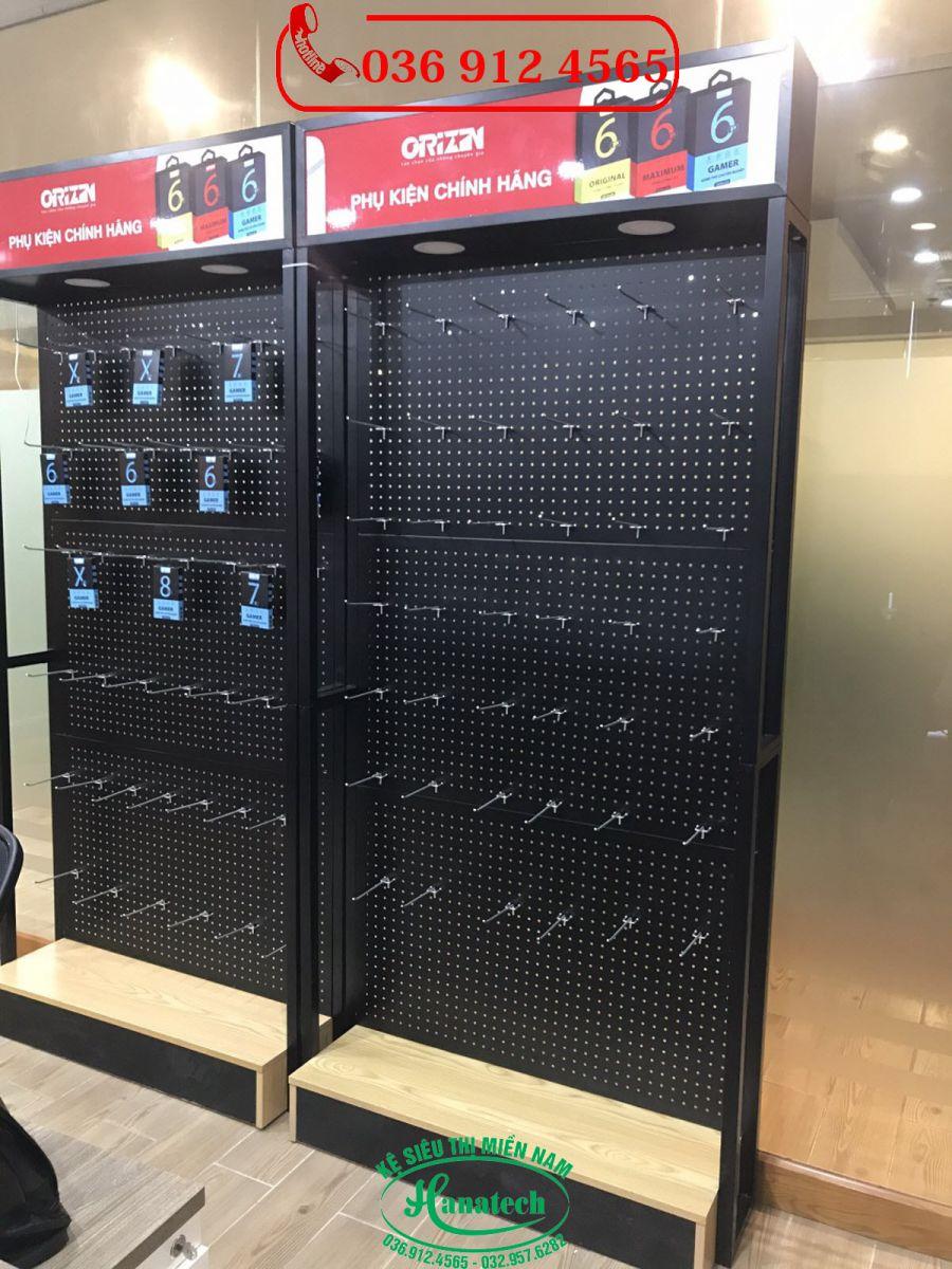 Giá kệ trưng bày phụ kiện điện thoại tại Tây Ninh