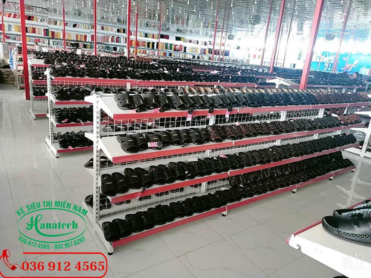 Giá kệ trưng bày giày dép tại Tây Ninh