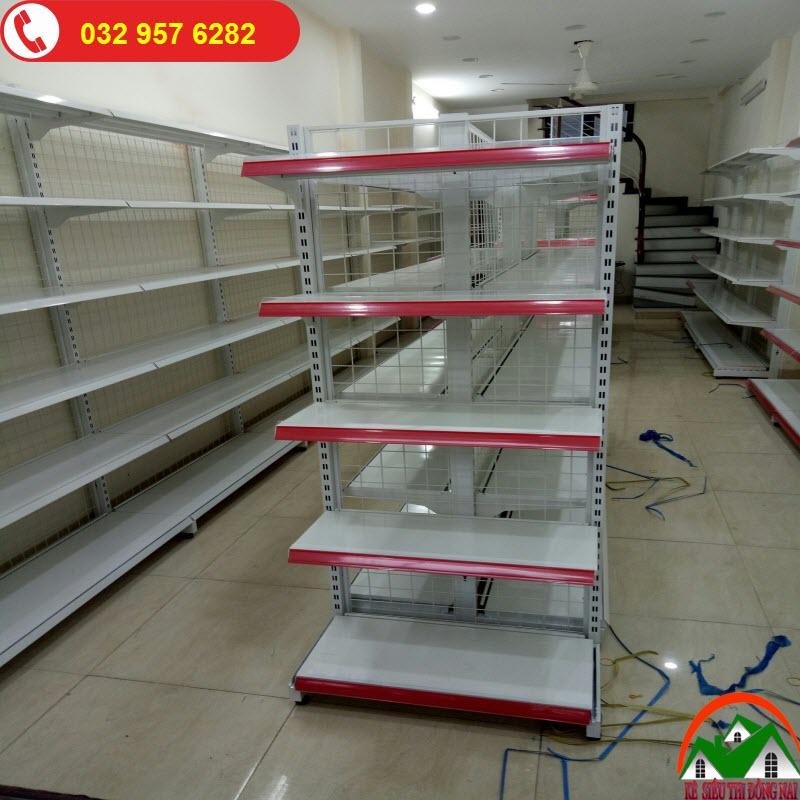 Kệ siêu thị đầu dãy tại Đồng Nai