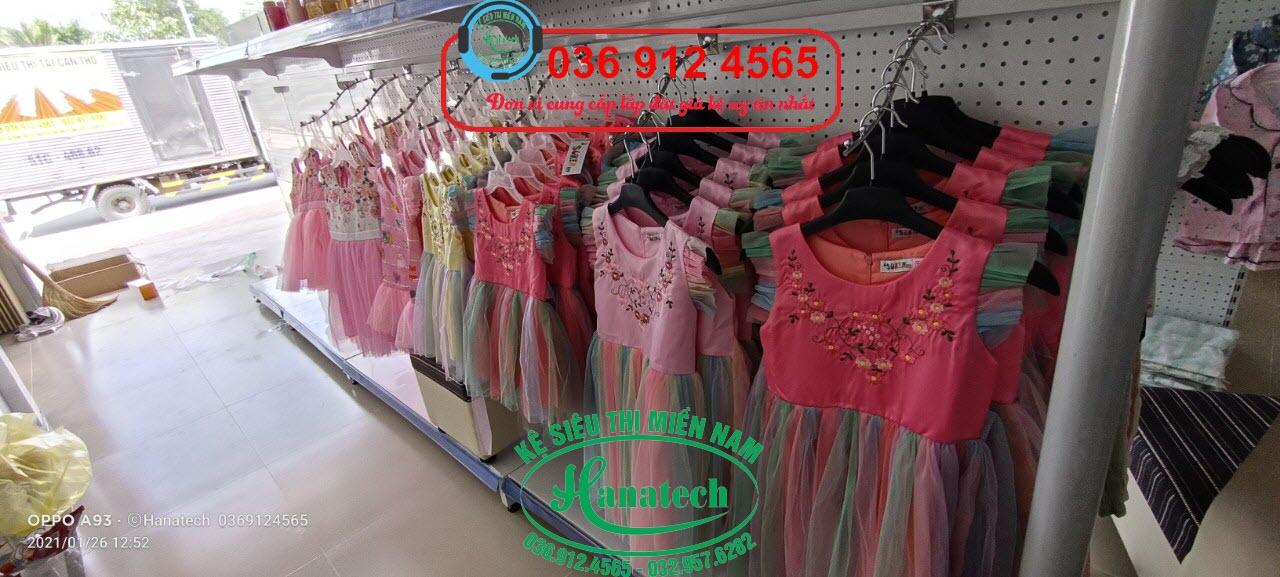 Giá kệ móc treo quần áo thời trang tại Tây Ninh